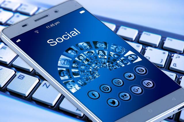 Veille stratégique sur les réseaux sociaux : une source d'information à part entière pour votre entreprise